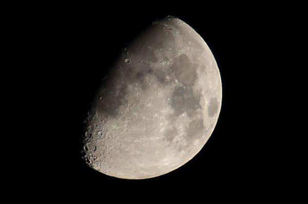 Vicente Arranz - La luna en cuarto creciente - El Rincón de Lorea